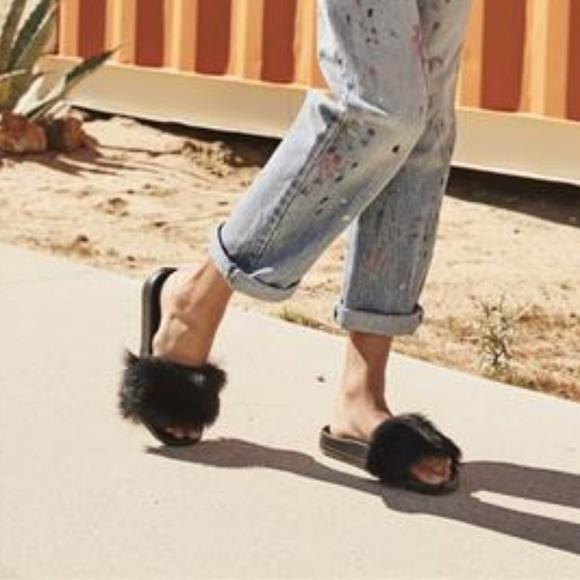 74b3e094706 NWOB UGG Royale Black Fur Sandal Slides NWT